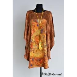 Šilkinė-suknelė-auksinė